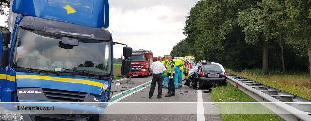 BALKBRUG/Zuidwolde – Een ernstig dodelijk ongeval donderdagmiddag tussen een vrachtwagen en een personenauto op de N48 tussen Balkbrug en Zuidwolde . De brandweer en het mobiel medisch team zijn ter plaatse. Een vrachtwagen […]