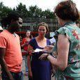 Stadskanaal – De met uitzetting bedreigde Alpha Bangoura (33) met zijn gezin moet blijven. De burgemeester doet dan ook een dringend beroep op staatssecretaris Dijkhoff van Justitie. De Guinee Bangoura woont inmiddels al […]
