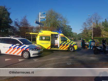 Automobilist raakt ernstig gewond bij botsing tegen boom in Etten-Leur.