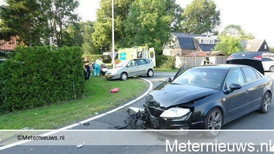 Twee gewonden na ongeval op zomerdijk tussen Wanneperveen en Meppel.
