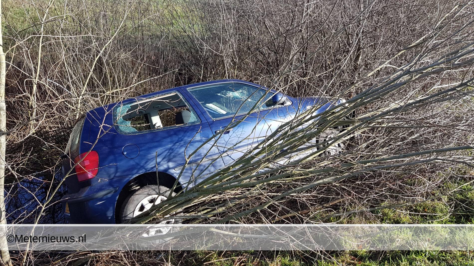 auto ongeval a37 auto van talud Emmen OOst