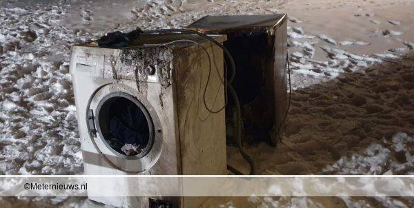 wasdroger en wasmachine in brand woning Oosterhesselen