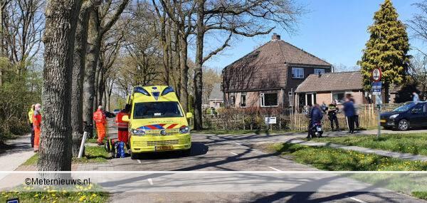 fietser gewond tegen auto in Stuifzand