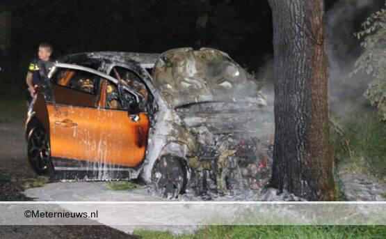 auto brand na ongeval in De Krim