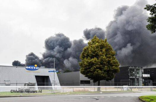 grote brand in Vendam